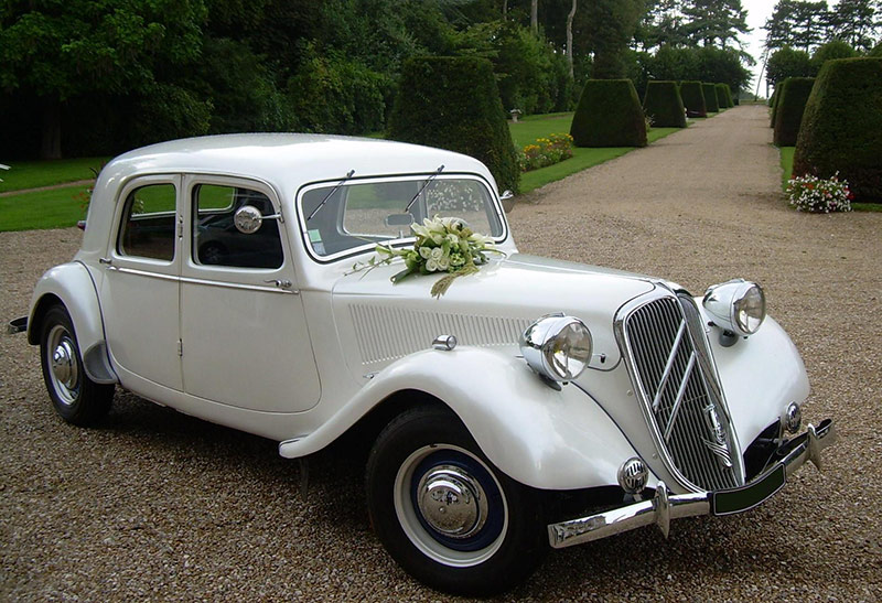 location voiture mariage citroen traction 15 six chantilly. Black Bedroom Furniture Sets. Home Design Ideas